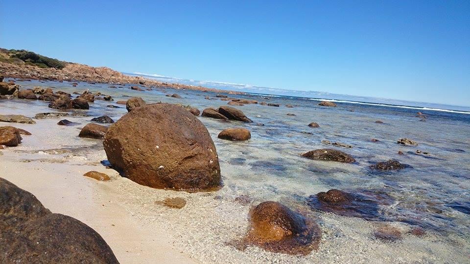 La plage, les rochers