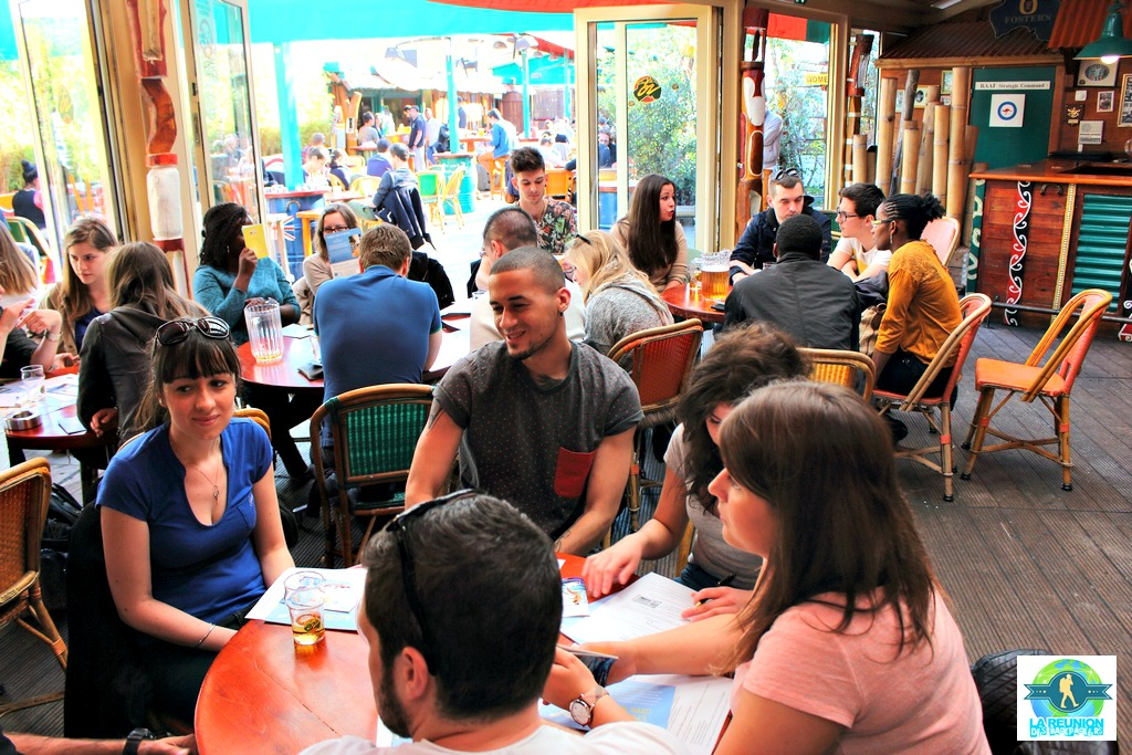 Reunion Backpackers Australie Cafe Oz (2)