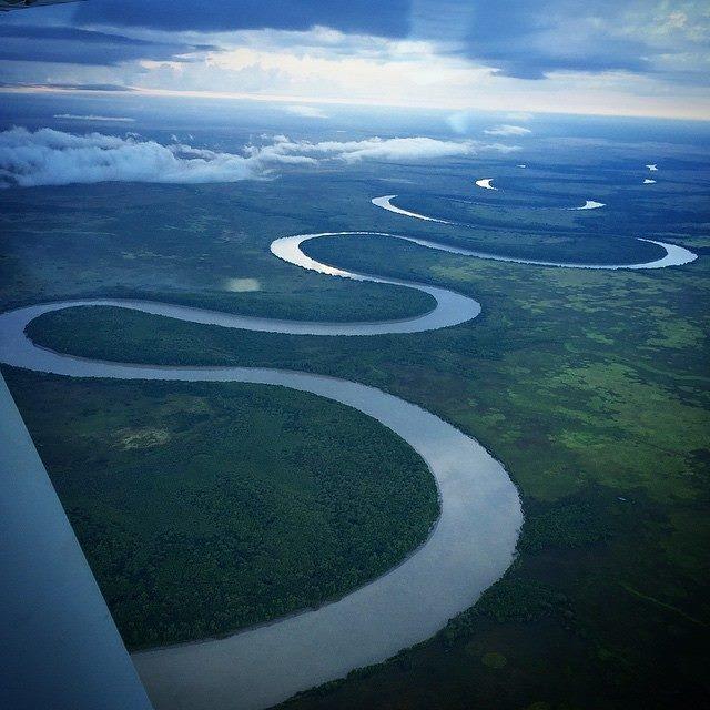 Adelaide river Crocodile jumping Australie